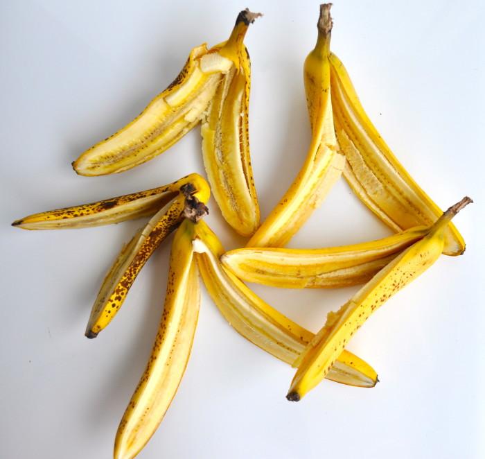 split bananas for banana split ice cream
