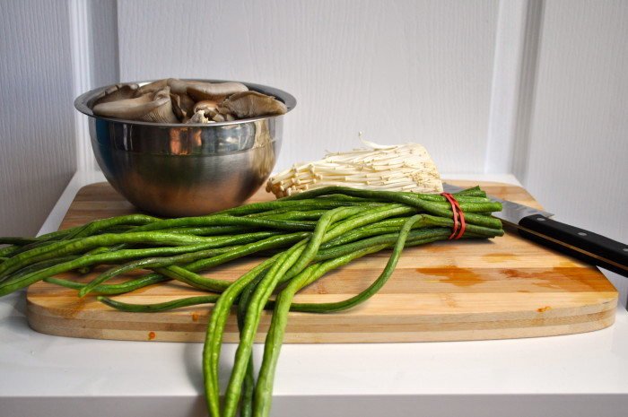 longbeans and mushrooms