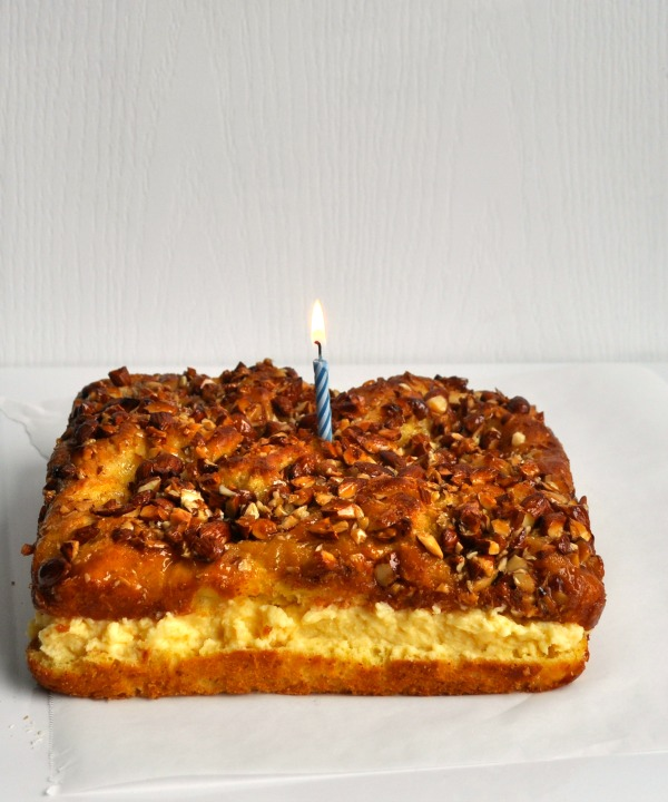 happy birthday bienenstich cake