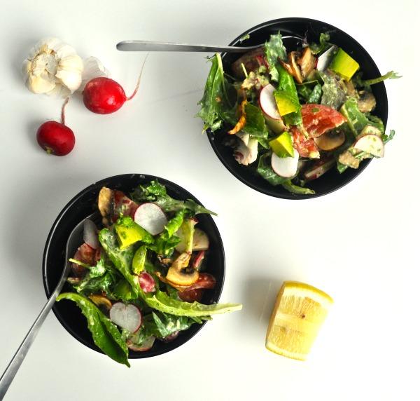 salad with creamy garlic dressing