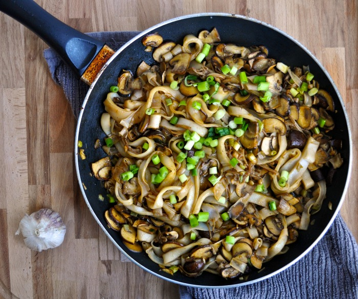 mushroom soy sauce rice noodles
