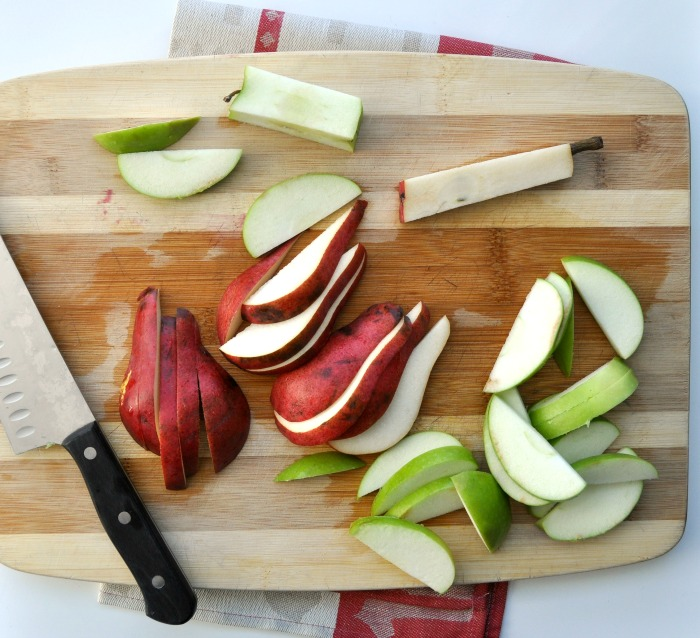 sliced apples and pears