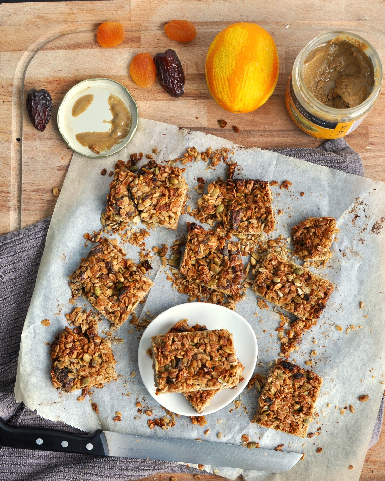apricot sunflower granola bar