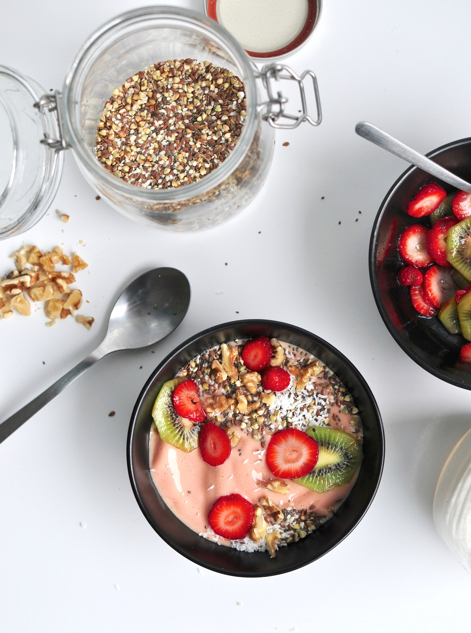 Mango, Banana and Strawberry Smoothie Bowl Recipe
