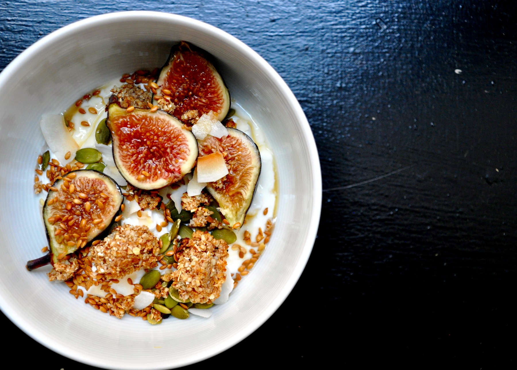 fig-yogurt-bowl